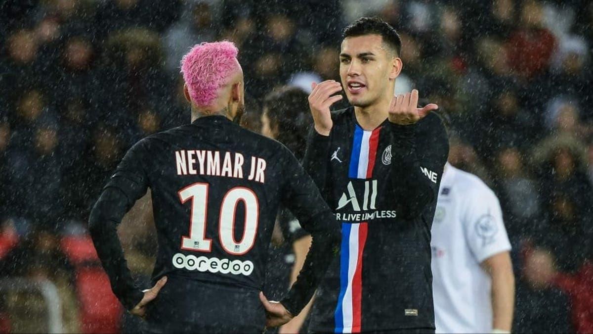 Neymar le dedicó la victoria a Paredes