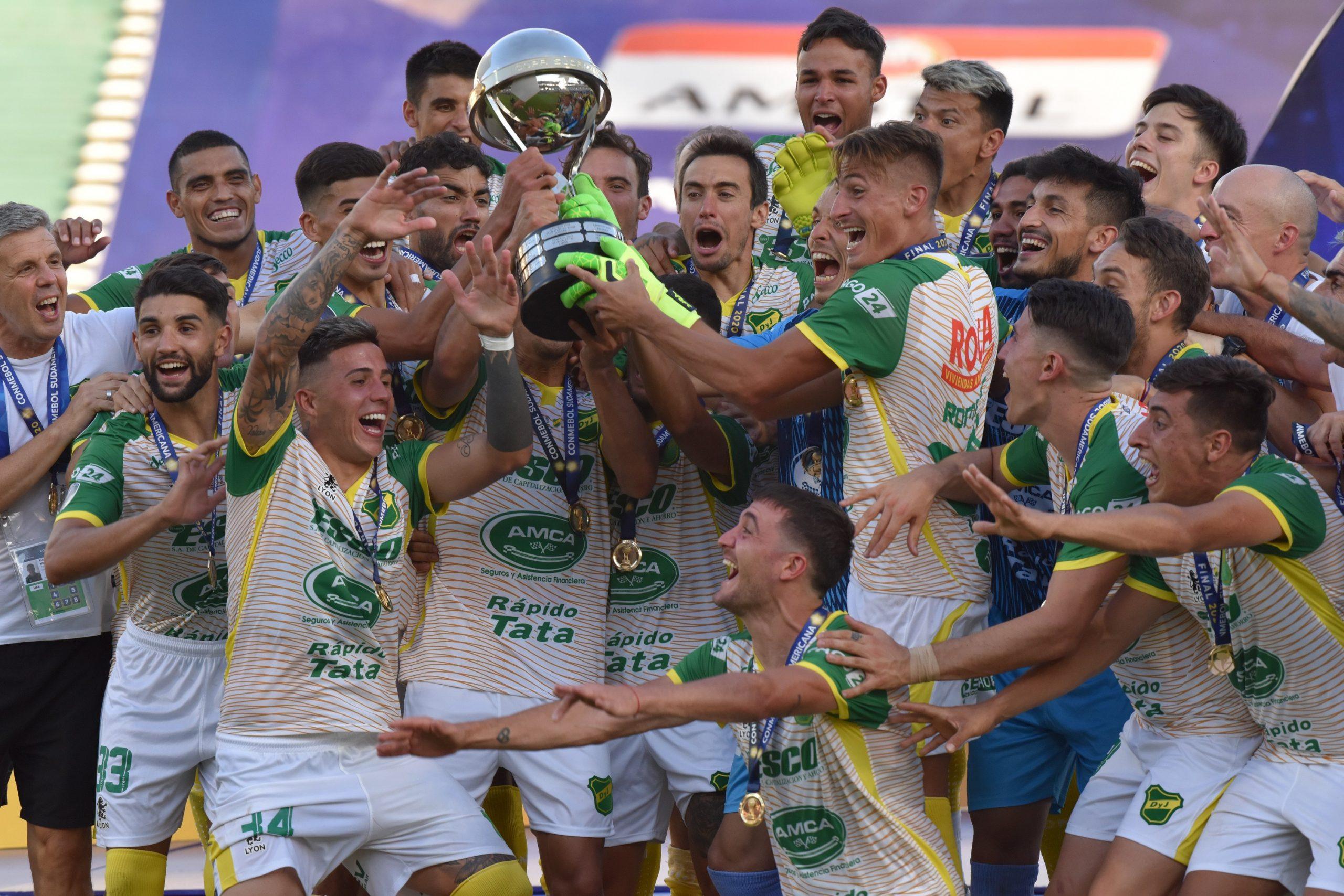 Diez argentinos en el equipo ideal de la Sudamericana