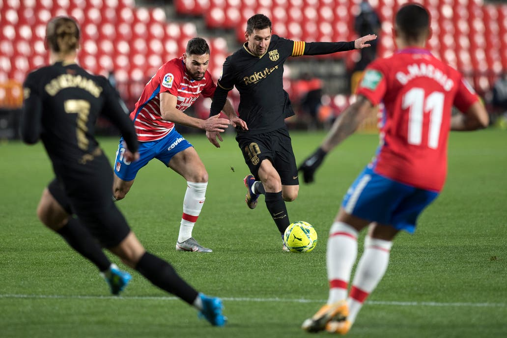 Doblete de Messi en la goleada ante Granada