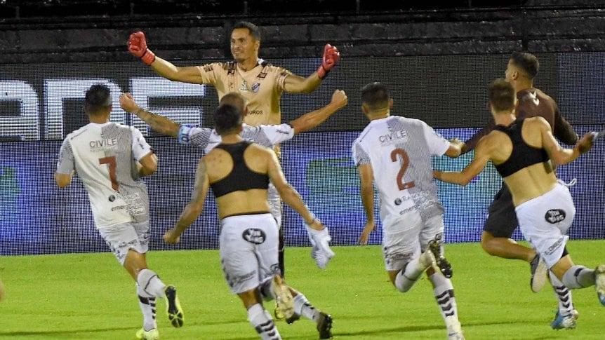 Platense pone primera en la Copa ante Argentinos