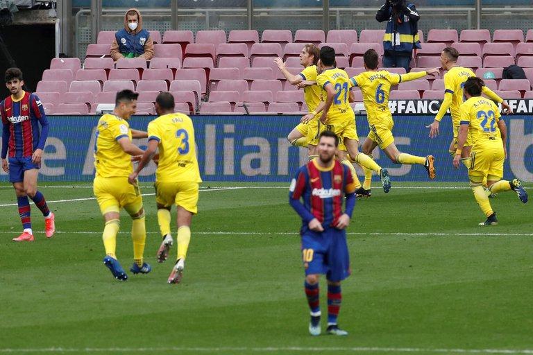 El defensor de Barcelona que se retiró llorando del Estadio