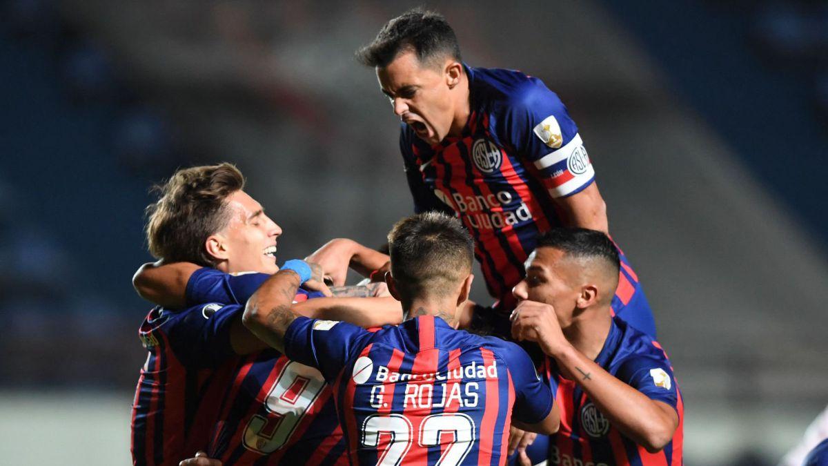 San Lorenzo quiere golpear primero ante Santos