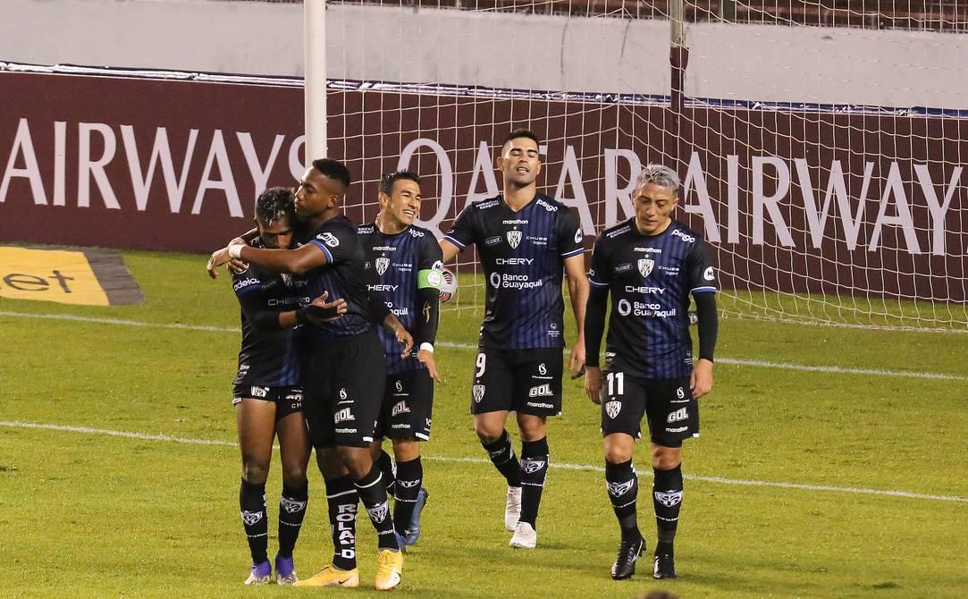 Suspensión y cambio de sede para un partido de Libertadores