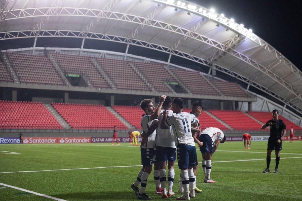 Vélez ganó en Chile