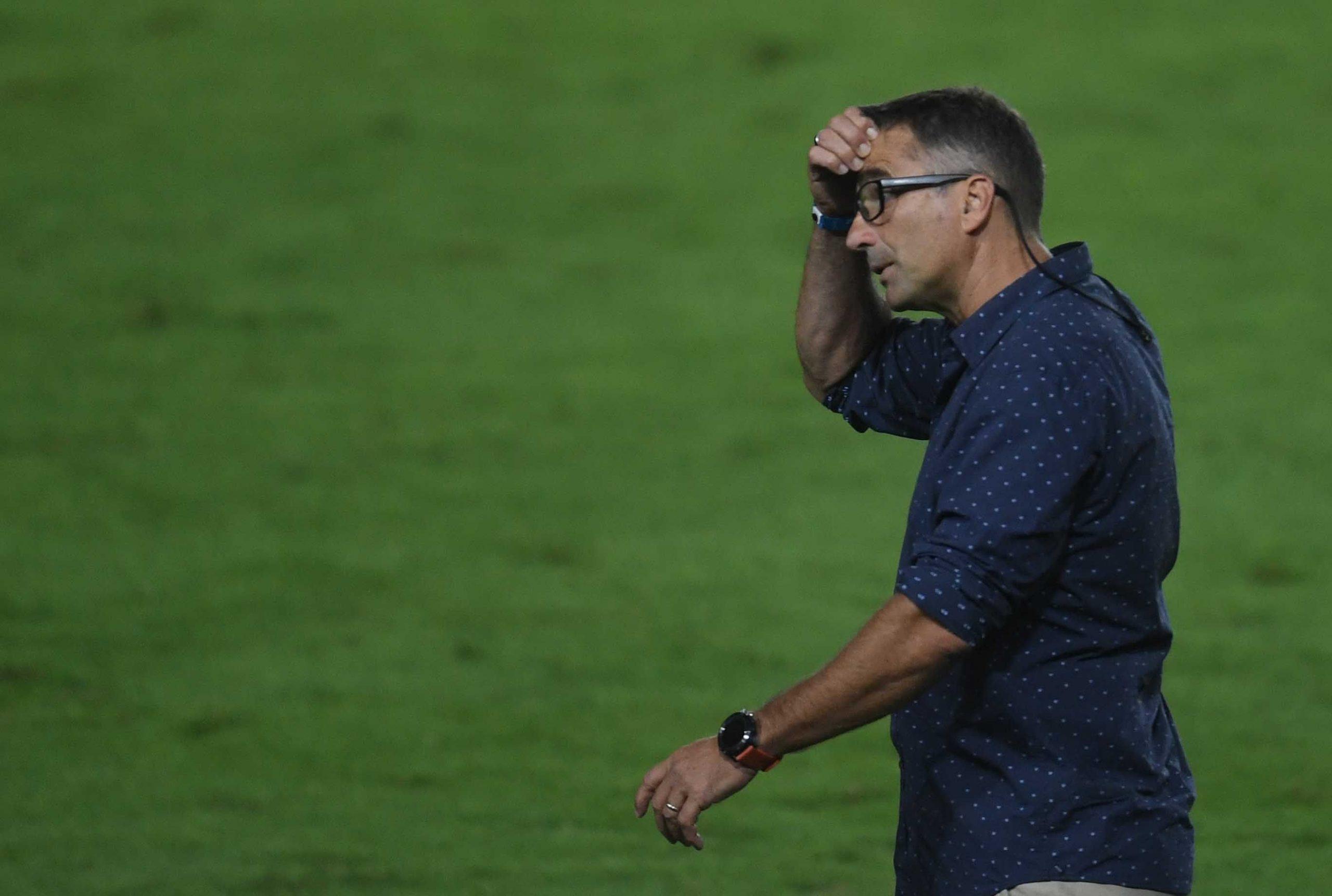 Pizzi, cercado: Racing llamó a un ex DT de Independiente