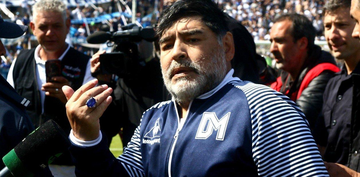 ¿Maradona se lleva un defensor de Boca?